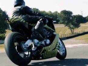 Мотоциклы Охотник Royal Enfield и коллекционный AMB 001 уже на треках