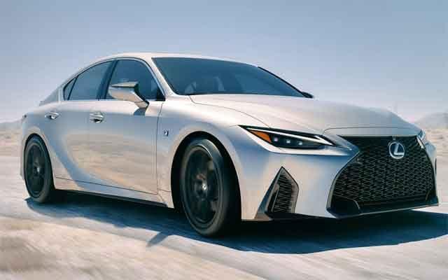 Lexus IS – товарный знак IS500 с намёком на конструкцию с двигателем V8