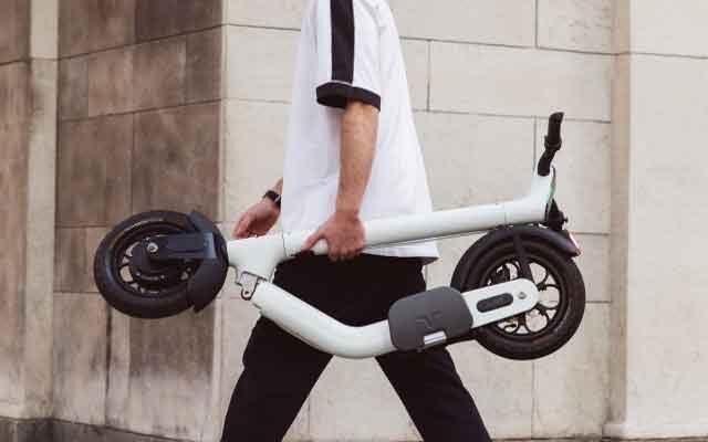 Электрический дорожный скутер «Taur» на складной алюминиевой платформе